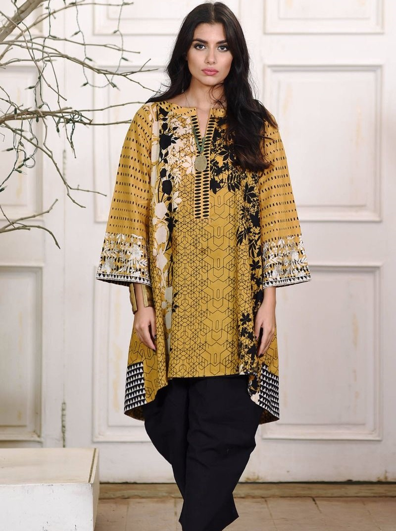 Khaadi 2-piece mustrand and black winter dress
