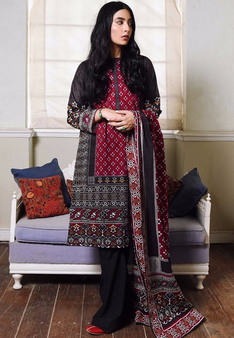 Maroon and black winter suit by Khaadi