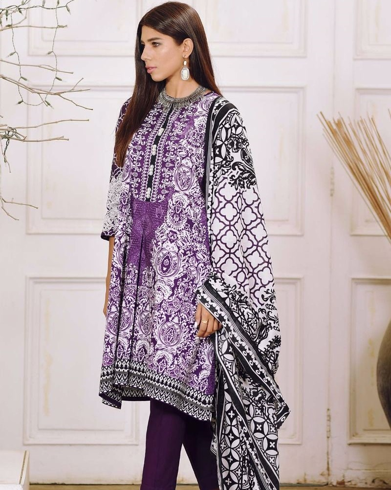 Purple winter suit by Khaadi