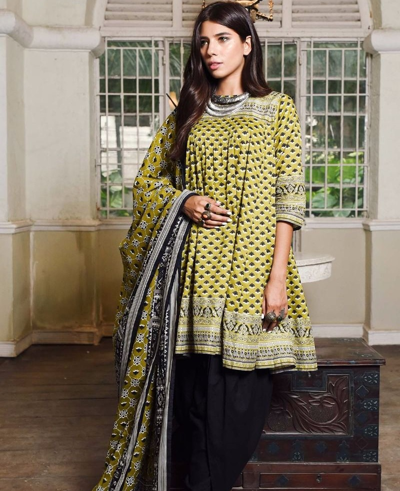 Khaadi cambric winter outfit for ladies