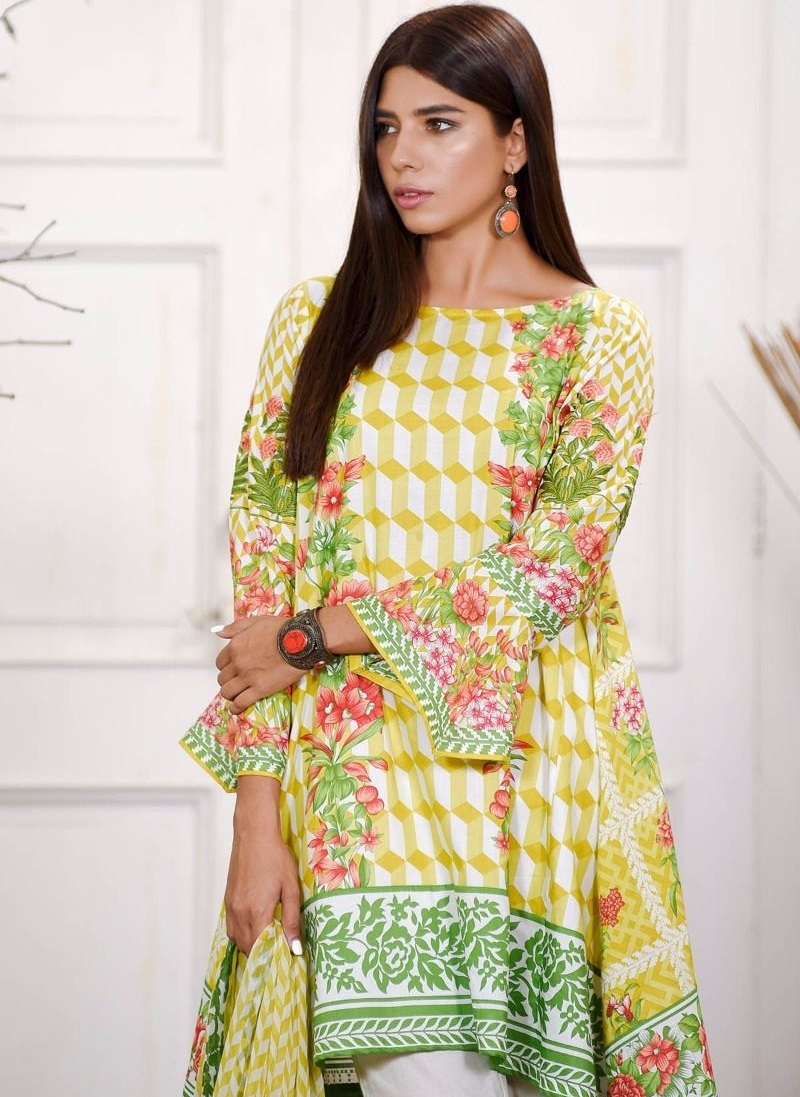 Khaadi embroidered cambric suit with chiffon dupatta