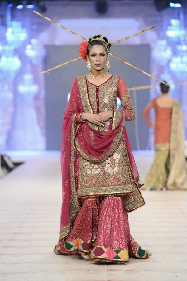 PFDC-L'Oreal-Paris-Bridal-Week-Fahad-Hussayn-Collection (13)