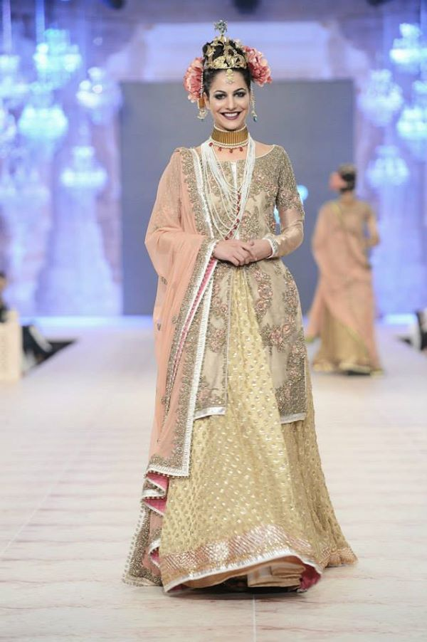 PFDC-L'Oreal-Paris-Bridal-Week-Fahad-Hussayn-Collection (23)