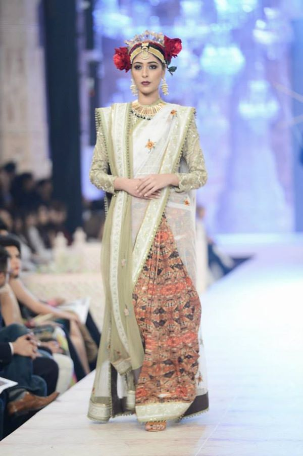 PFDC-L'Oreal-Paris-Bridal-Week-Fahad-Hussayn-Collection (3)