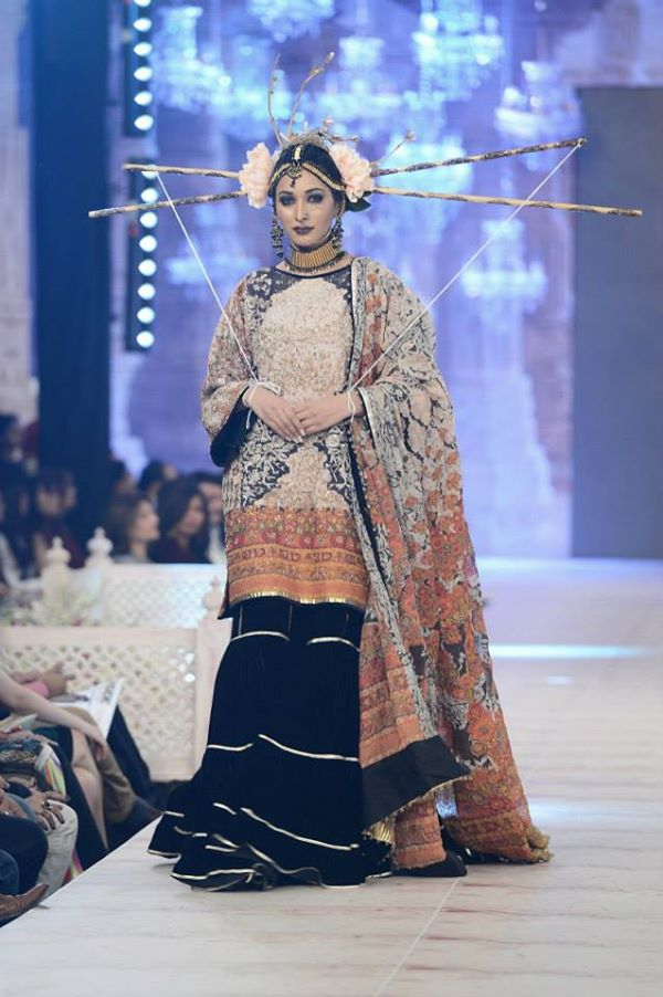 PFDC-L'Oreal-Paris-Bridal-Week-Fahad-Hussayn-Collection (4)