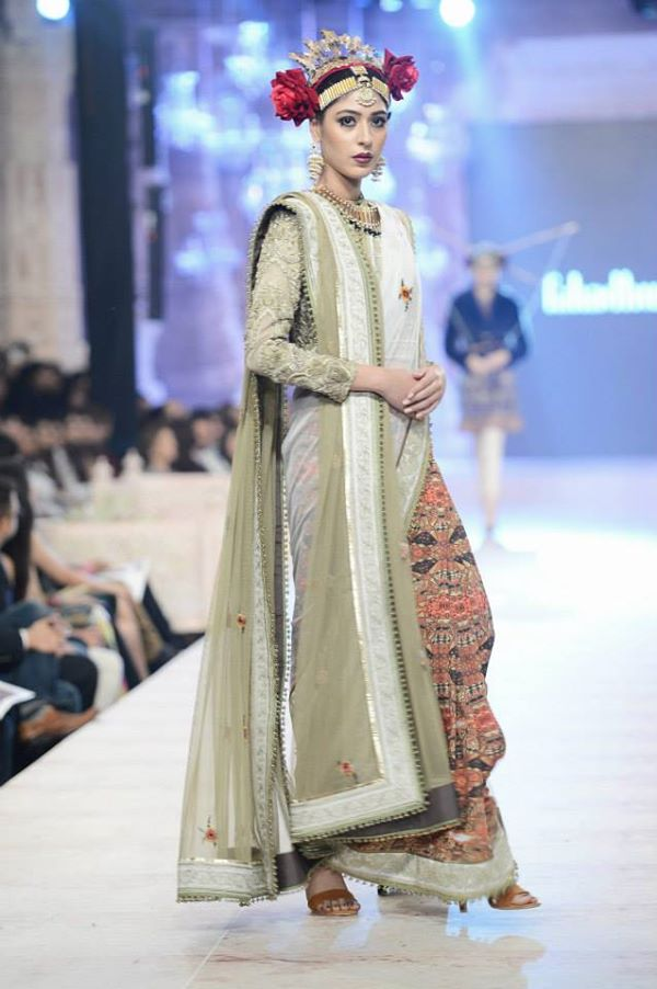 PFDC-L'Oreal-Paris-Bridal-Week-Fahad-Hussayn-Collection (5)