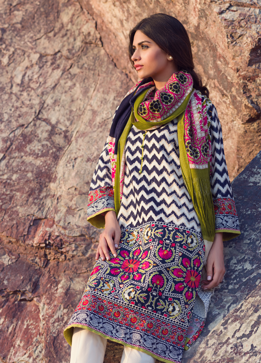 Sana-Safinaz-Winter-Shawl-Collection (10)