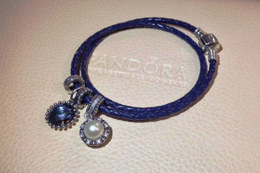 Pandora-Christmas-Jewellery-Collection (2)