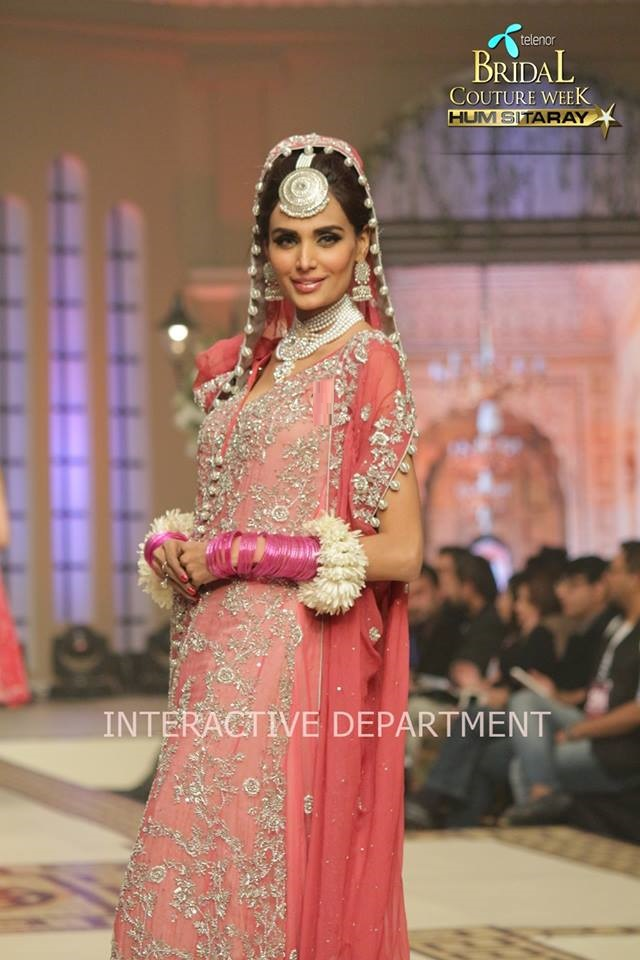 Hajra-Hayat-bridal-collection-at-telenor-bridal-couture-week (12)