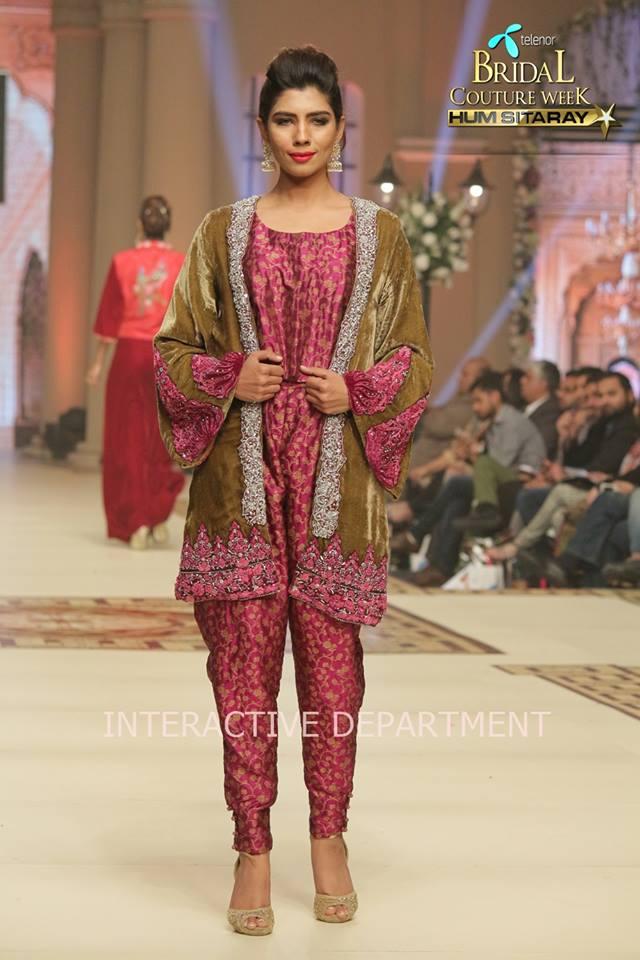 Hajra-Hayat-bridal-collection-at-telenor-bridal-couture-week (5)