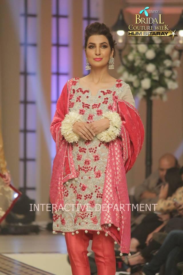 Hajra-Hayat-bridal-collection-at-telenor-bridal-couture-week (9)