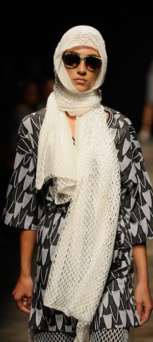 Onder-Ozkan-spring-summer-collection-at-mercedes-Benz-fashion-week (3)