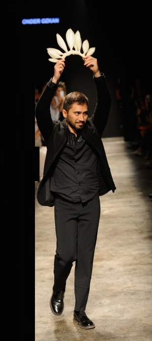 Onder-Ozkan-spring-summer-collection-at-mercedes-Benz-fashion-week (6)