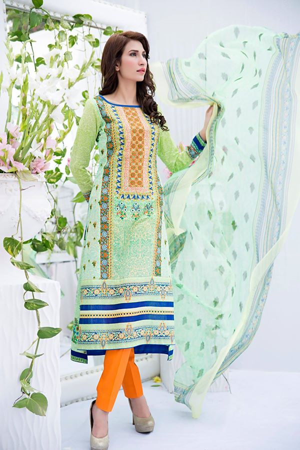 Amna-Ismail-spring-summer-lawn-2015 (43)