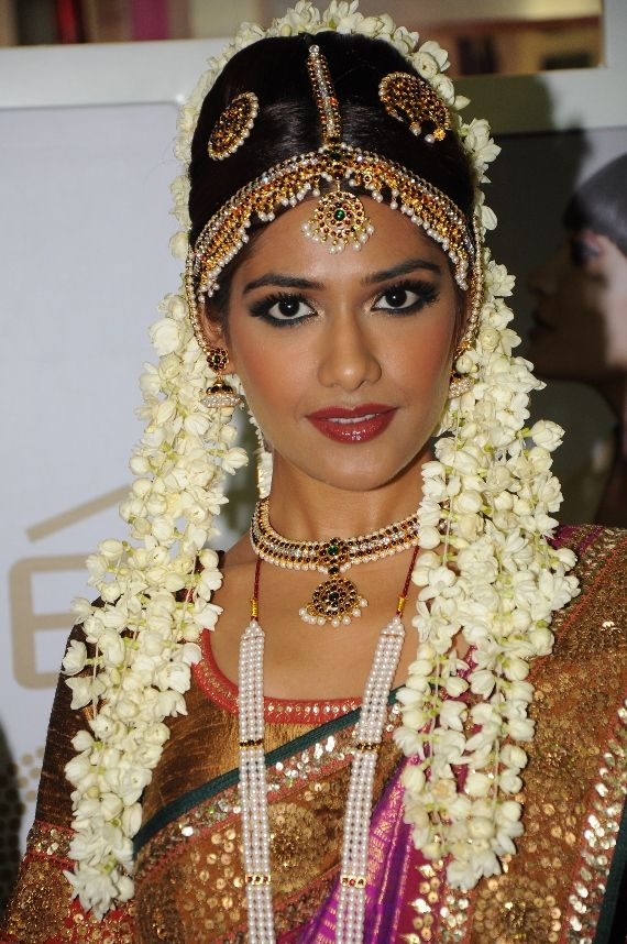 Indian-bridal-make-up (19)