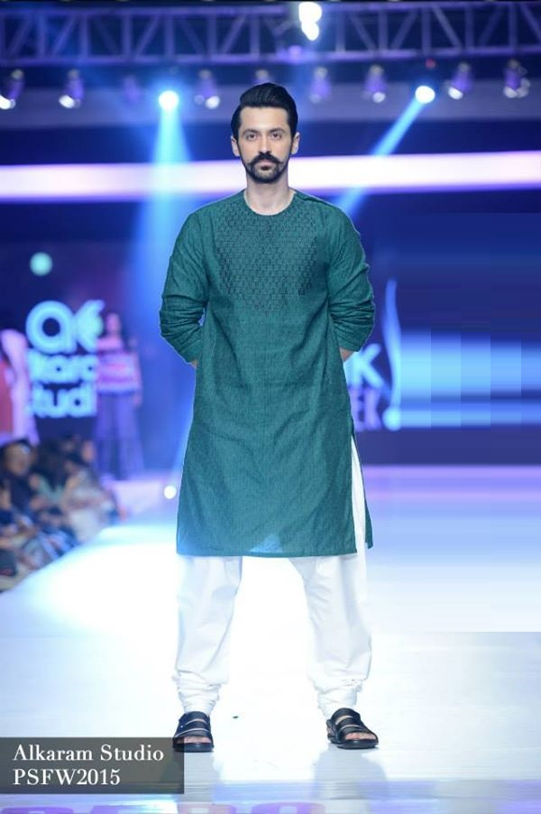 Alkaram-Studio-Collection-at-PSFW-2015-2016 (2)