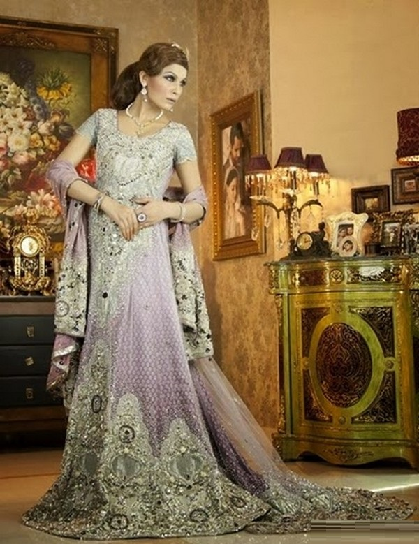 Beautiful-Maxi-Style-Dresses-in-Pakistan (18)