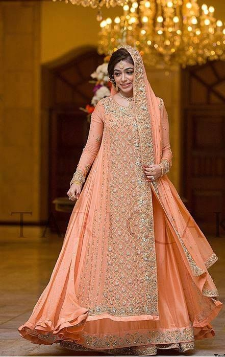Beautiful-Maxi-Style-Dresses-in-Pakistan (20)