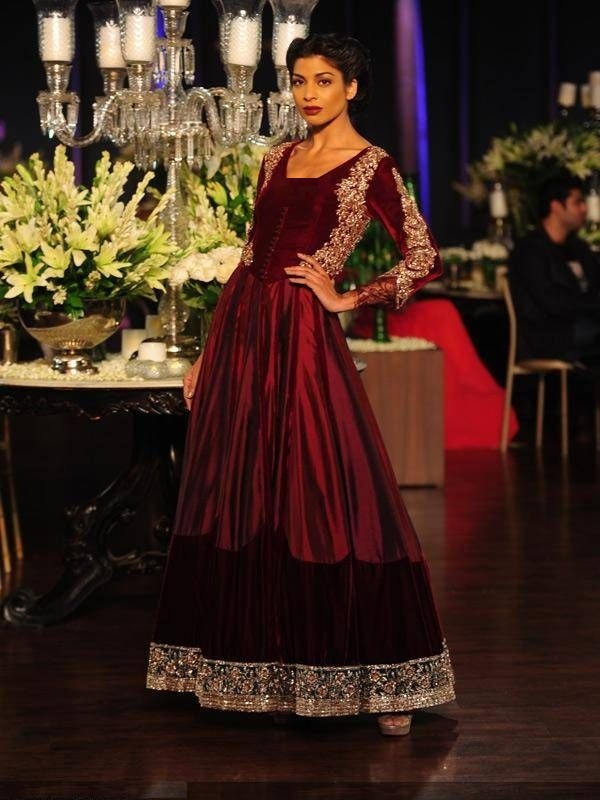 Beautiful-Maxi-Style-Dresses-in-Pakistan (4)