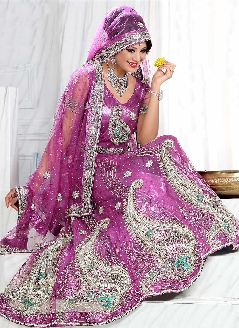Indian-Bridal-Lehenga-Choli-Designs (21)