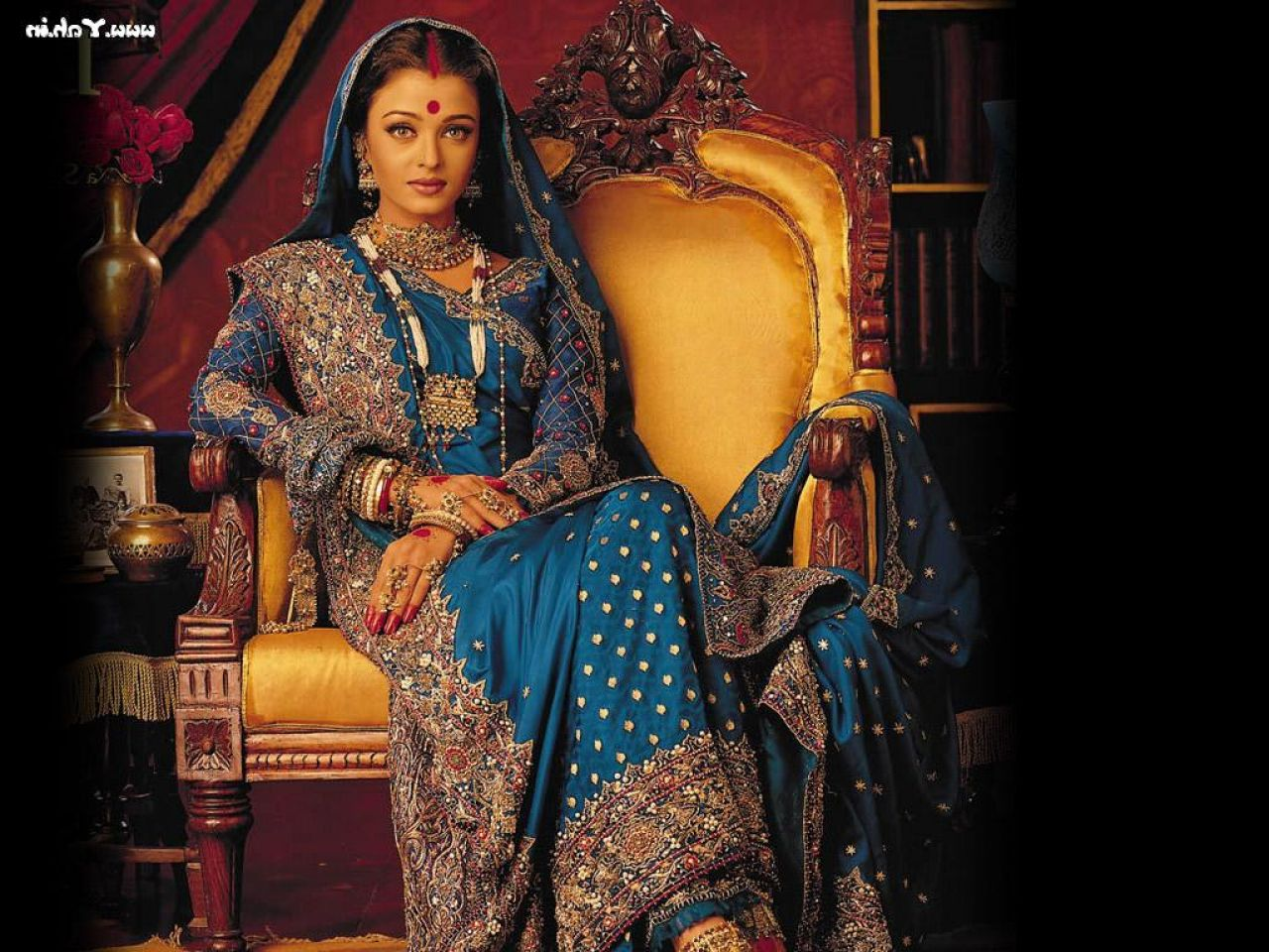 aishwarya rai in blue bridal saree