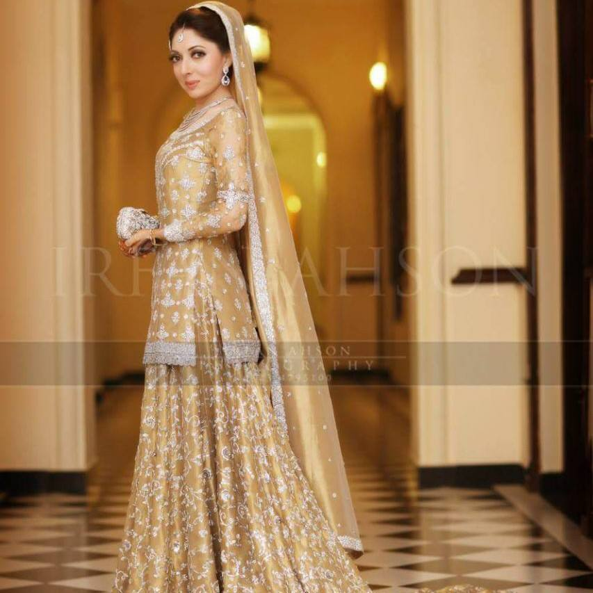 Sharmila Farooqi in Golden Bridal Dress on Valima