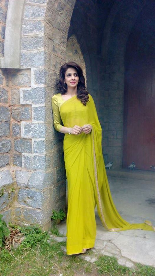 Pakistani-Celebrity-Dresses-Collection-2015-2016 (11)