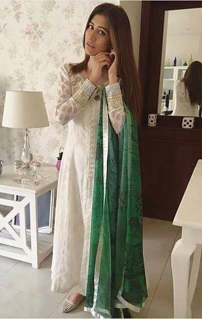 Pakistani-Celebrity-Dresses-Collection-2015-2016 (16)
