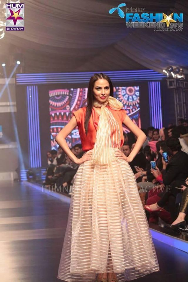 Telenor-Bridal-Couture-Week-2015-2016-All-Collections (3)