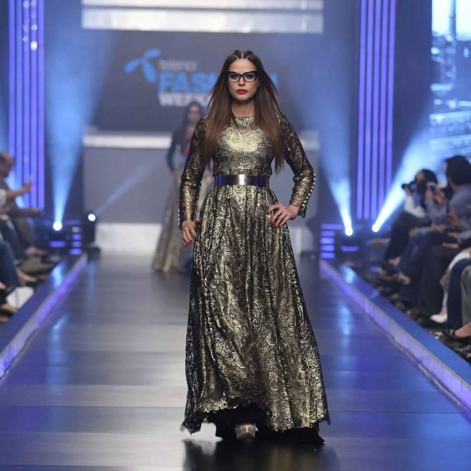 Telenor-Bridal-Couture-Week-2015-2016-All-Collections (7)