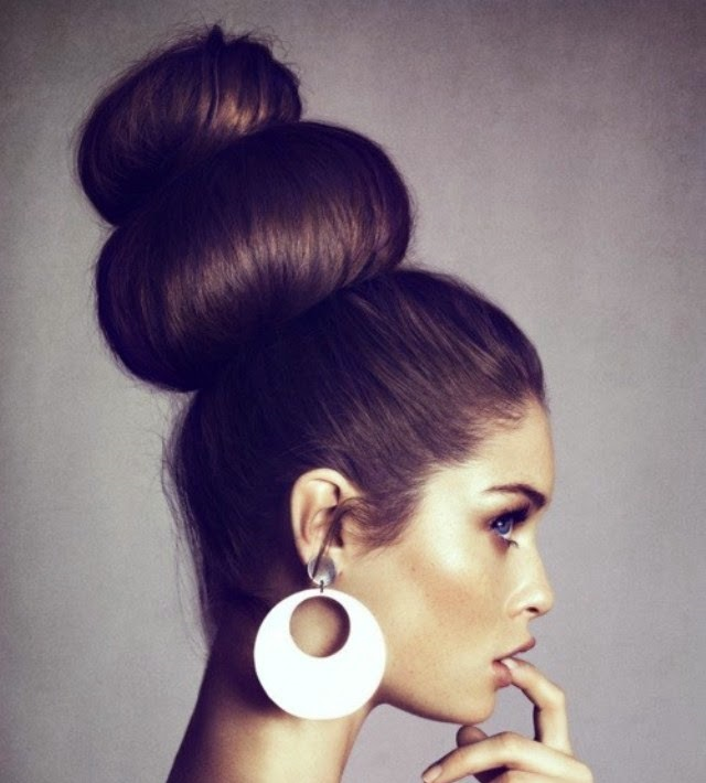 Beautiful-Bun-Hairstyles-for-women (22)