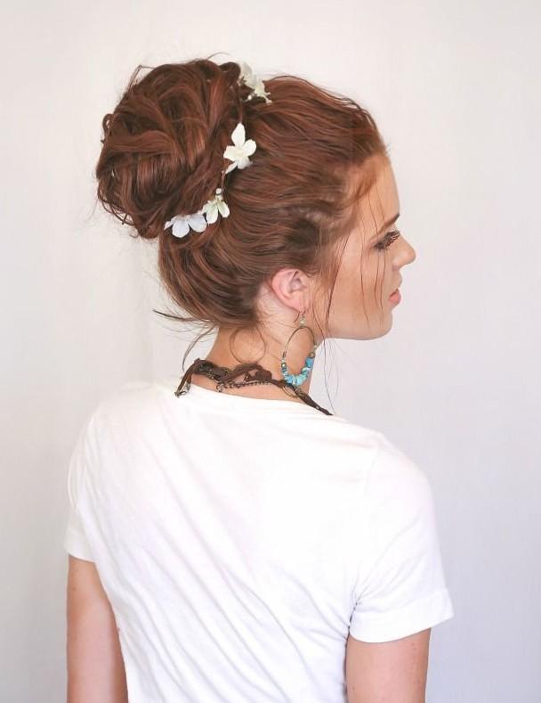 Beautiful-Bun-Hairstyles-for-women (24)