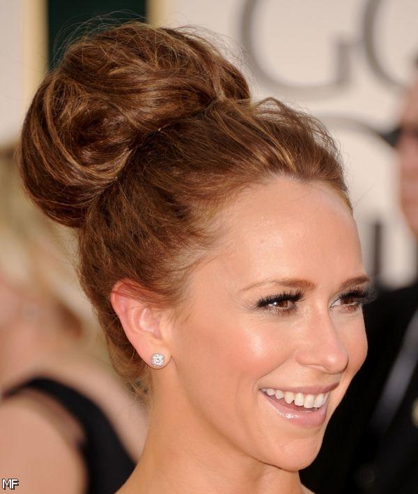 Beautiful-Bun-Hairstyles-for-women (32)