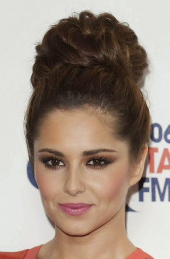 Beautiful-Bun-Hairstyles-for-women (8)