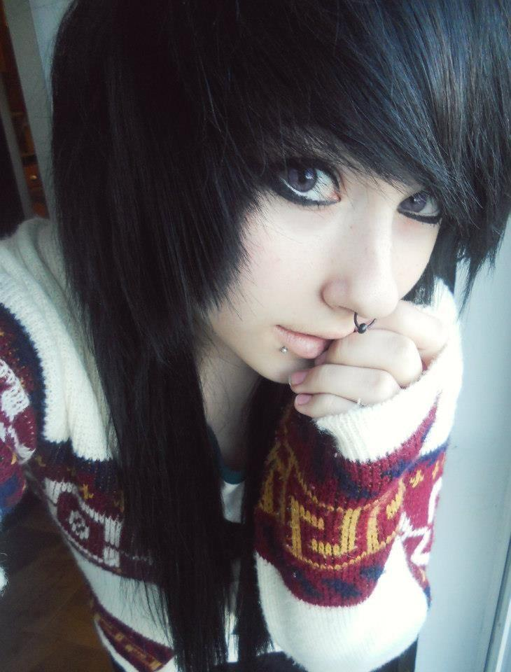 Best-Emo-Girl-Hairstyles-For-Gilrs (6)