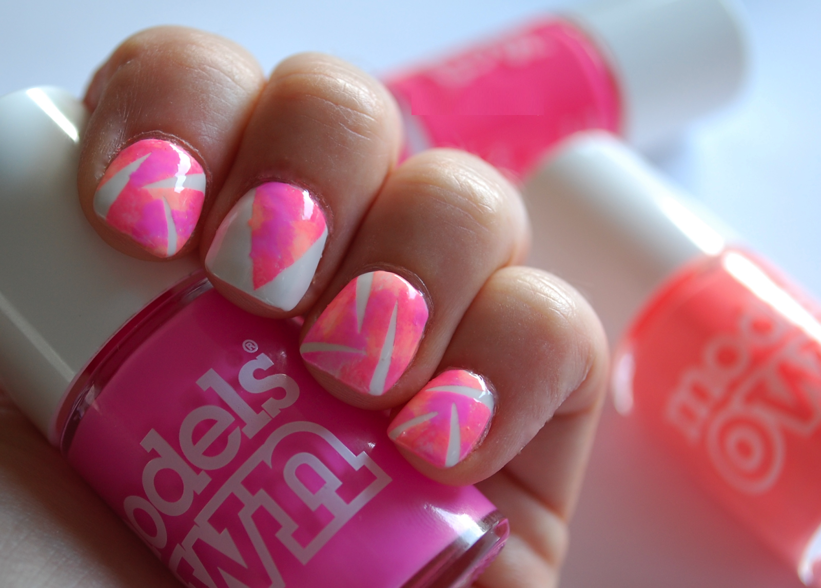 Best-Neon-Nail-Art-Designs-and-Colors (1)