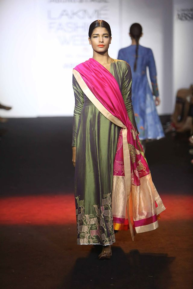 DIVYA-REDDY-PRIYAM-NAYARAN-VINEET-RAHUL-at-Lakme-Fashion-Week (2)