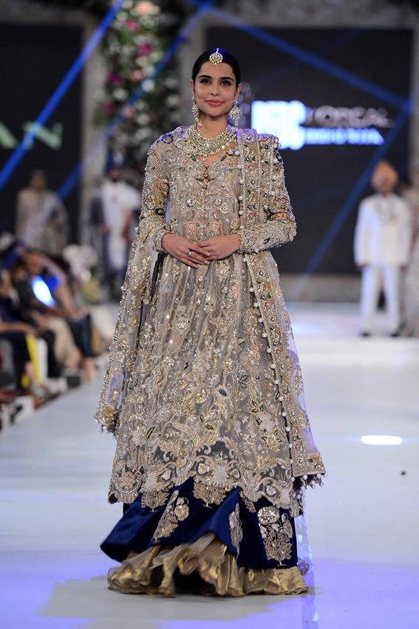 Elan-at-PFDC-LOreal-Paris-Bridal-Week-2015-2016 (1)