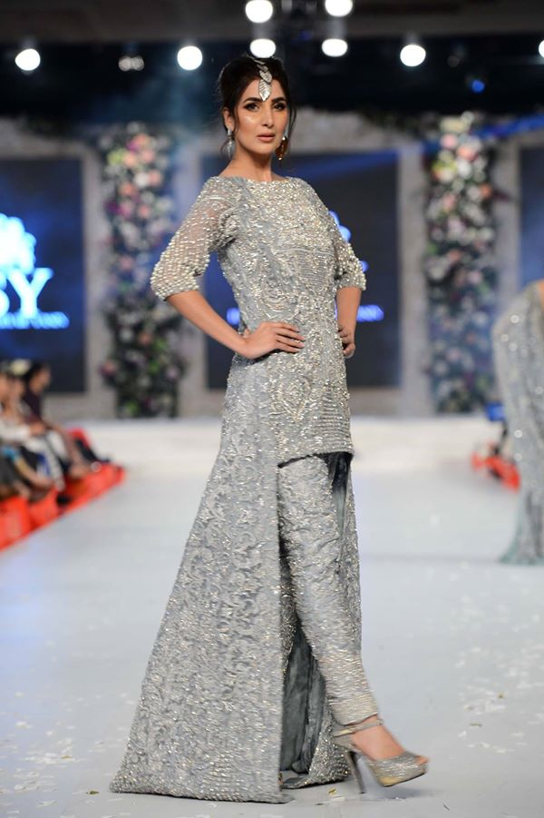 HSY-at-PFDC-LOreal-Paris-Bridal-Week-2015-2016 (3)