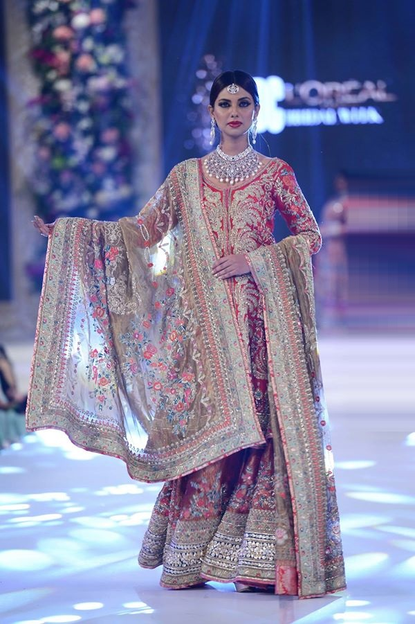 House-of-Kamiar-Rokni-at-PFDC-LOreal-Paris-Bridal-Week-2015-2016 (1)