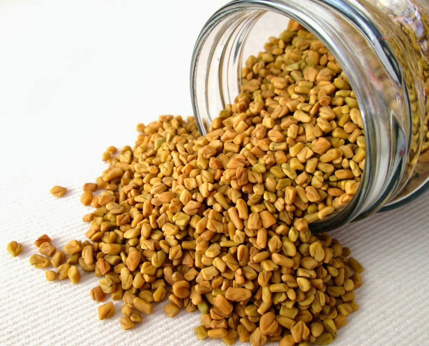 fenugreek seeds for thick eyebrows