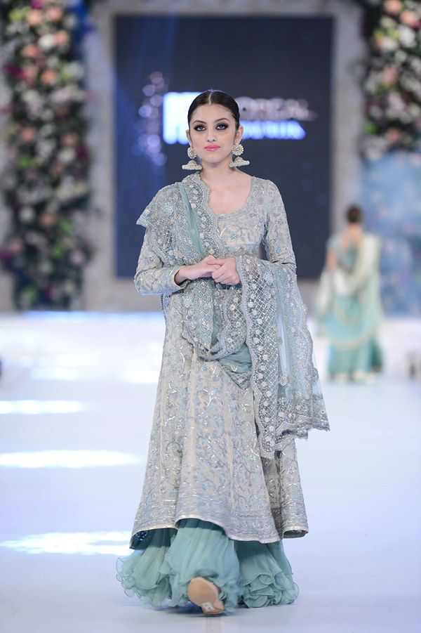 Misha-Lakhani-at-PFDC-LOreal-Paris-Bridal-Week-2015-2016 (1)