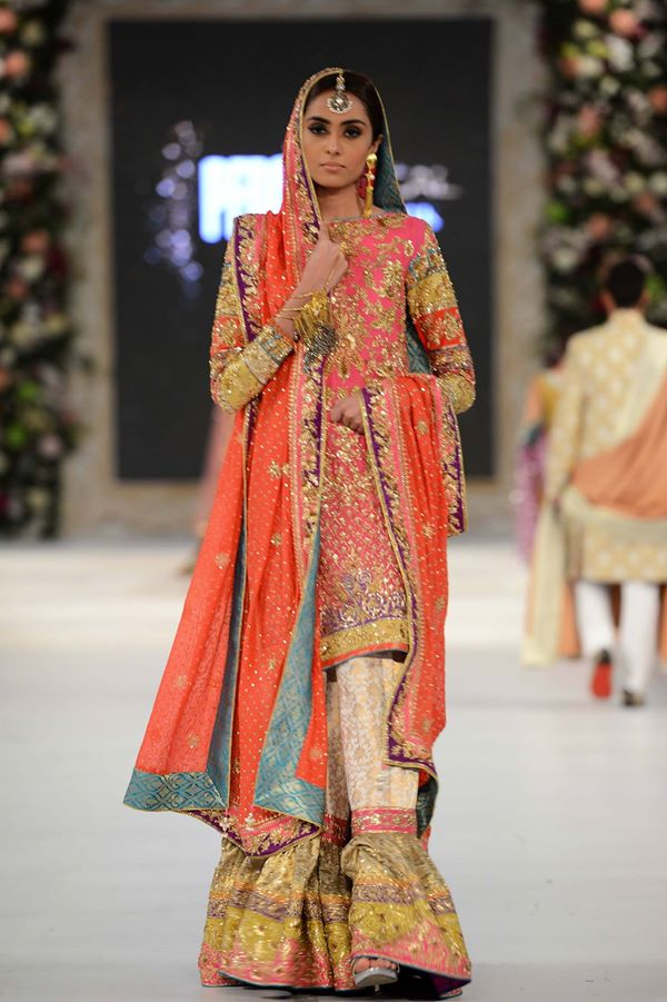 Nomi-Ansari-at-PFDC-LOreal-Paris-Bridal-Week-2015-2016 (1)