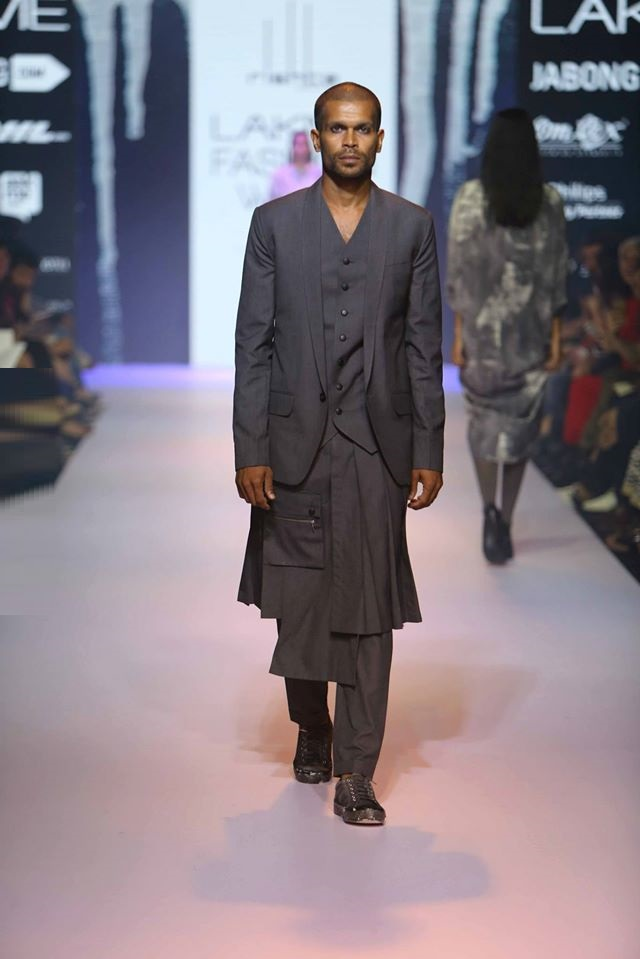 RISHTA-BY-ARJUN-SALUJA-NACHIKET-BARVE-at-Lakme-Fashion-Week (2)