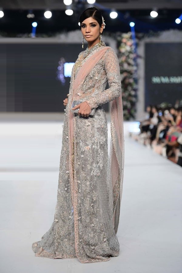 Sana-Safinaz-at-PFDC-LOreal-Paris-Bridal-Week-2015-2016 (2)
