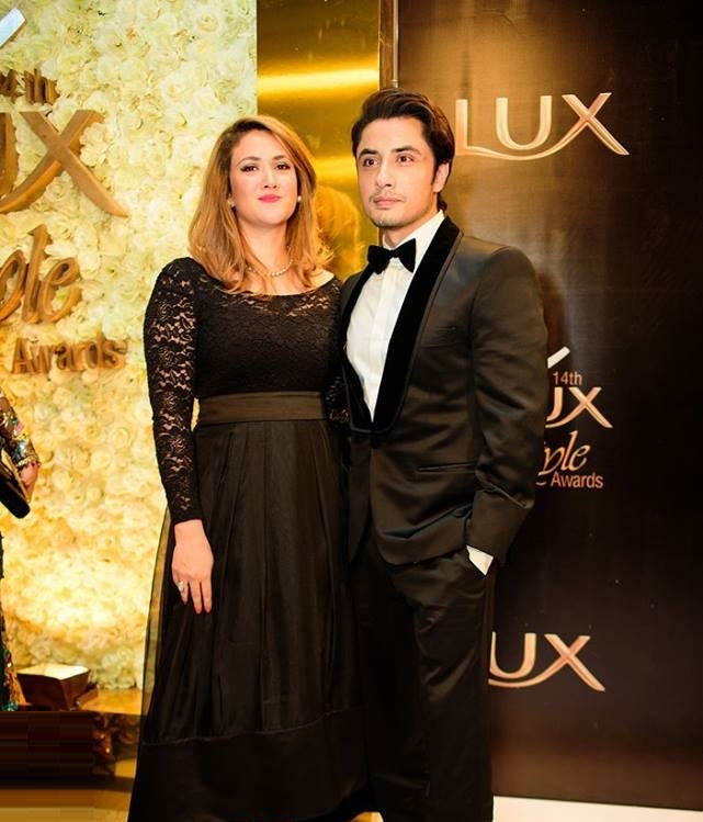 Top-10-Best-Dressed-Celebrities-at-Lux-Style-Awards (4)