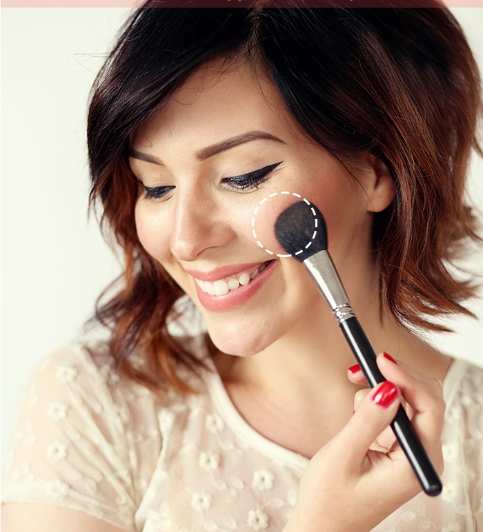 How-to-apply-blush-step-by-step-tutorial (1)