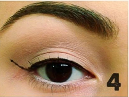 how to apply winged eyeliner (4)