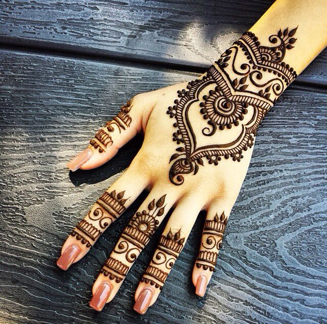 how-to-make-henna-or-mehndi-darker (2)