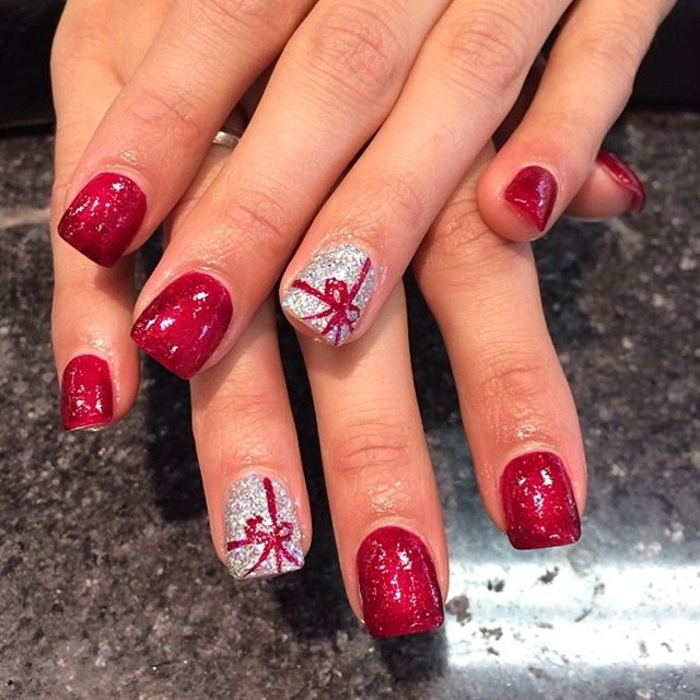 Last-Minute-Christmas-Nail-Art-Hacks-n-Tricks (42)